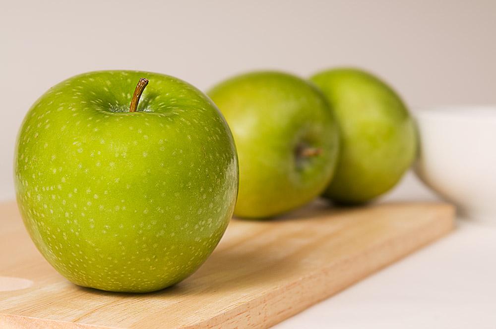 three_green_apples_849.jpg