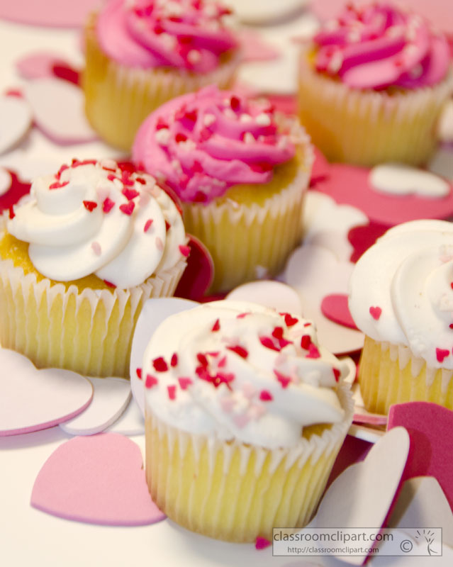 white-pink-cupcales-with-sprinkles_picture-image.jpg