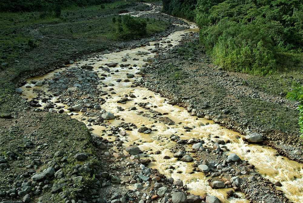 water-flowing-in-rain-forest-costa-rica.jpg