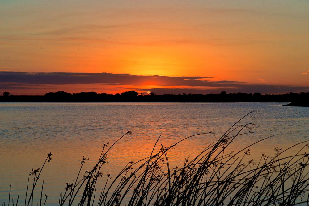 photo-sunset-at-quivira-national-wildlife-refuge-in-kansas.jpg