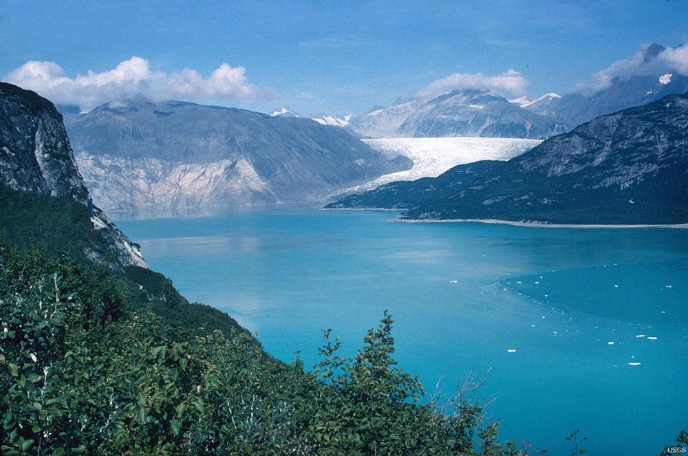 muir-and-riggs-glaciers-muir-inlet-alaska-in--2004.jpg