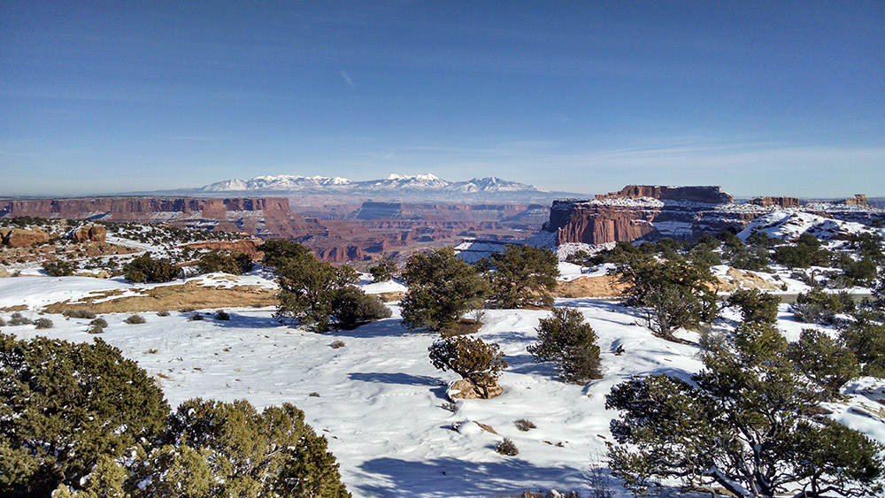 snow-capped-peaks-of-the-la-sal-mountain-range-utah.jpg