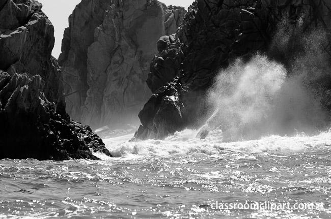 waves_breaking_bw_bw.jpg