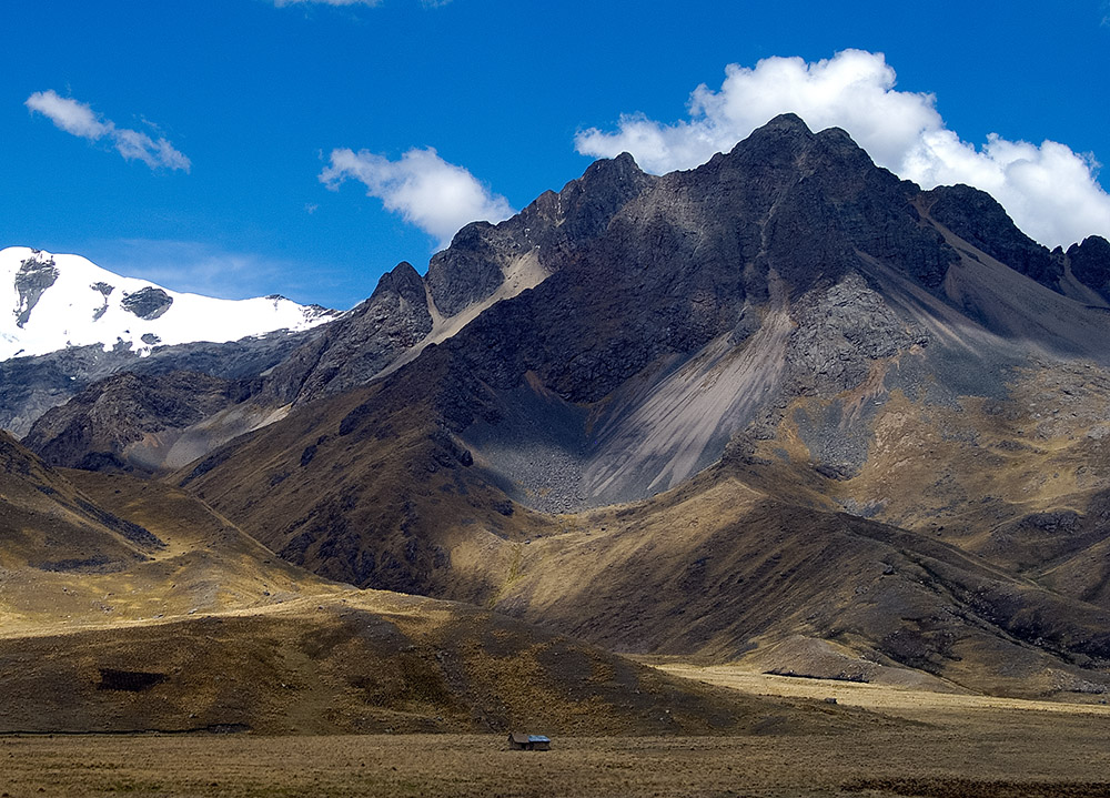 blue-sky-over-andes-mountains-in-peru-022.jpg