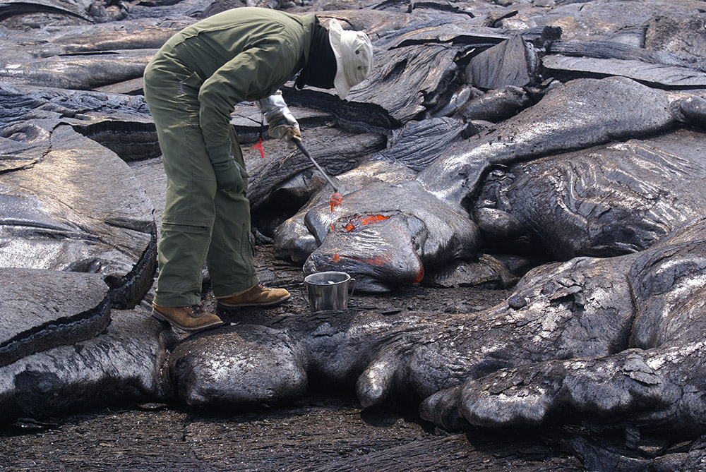 geologists-get-fresh-lava-samples-as-close-to-the-vent-as-possible.jpg
