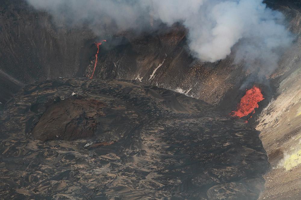 island-rises-in-the-growing-lava-lake-hawaii-volcano.jpg