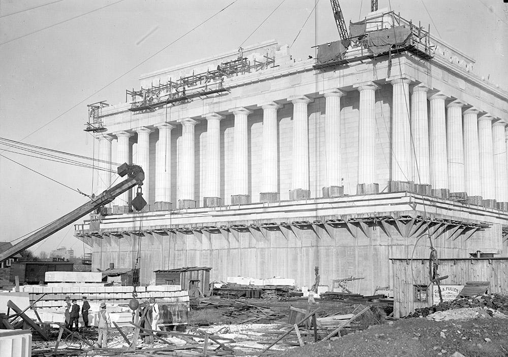 lincoln-memorial-under-construction-1914.jpg