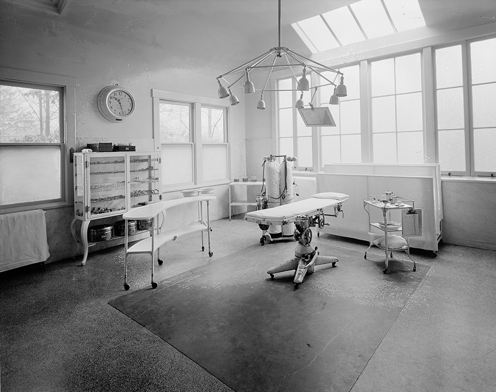 sanitarium-operating-room-1920-2.jpg
