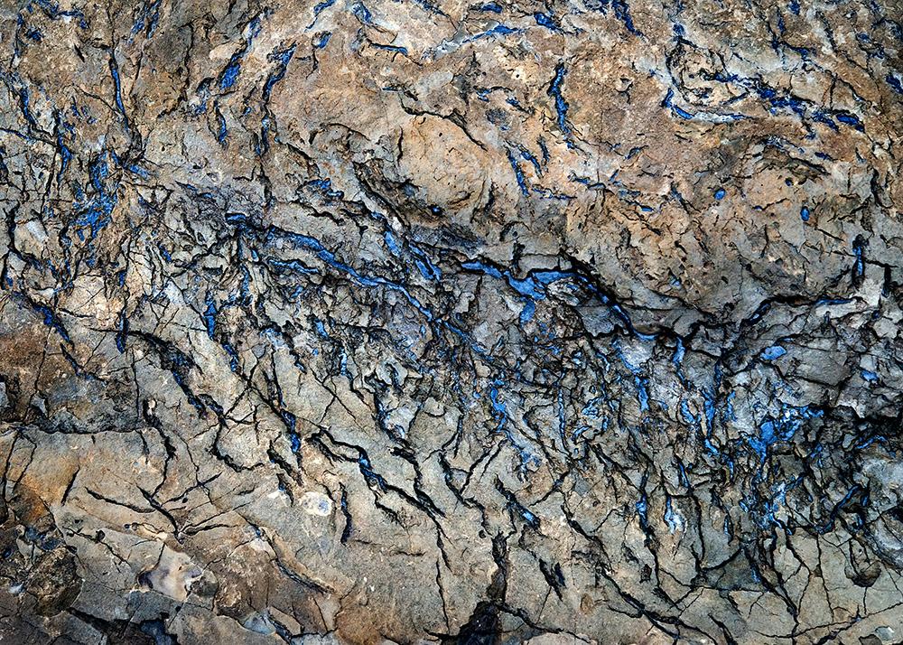 blue-color-in-vein-of-rocks.jpg