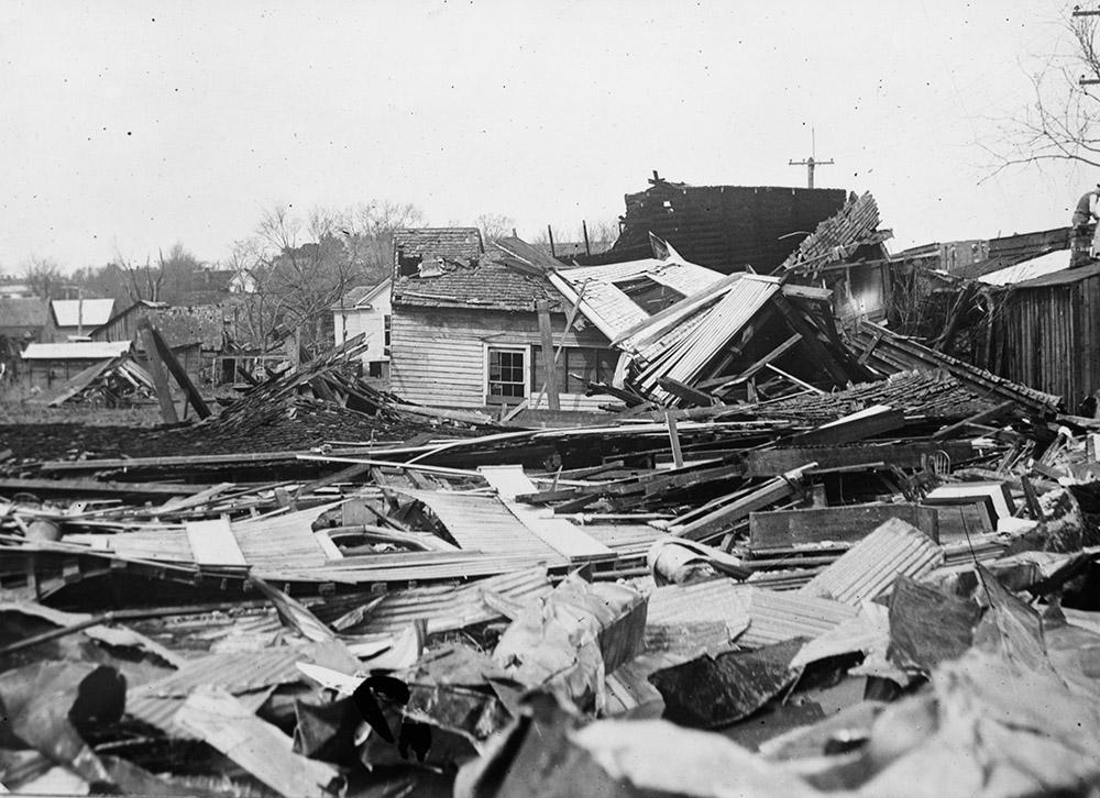 la-grange-georgia-debris-in-the-path-of-the-storm.jpg