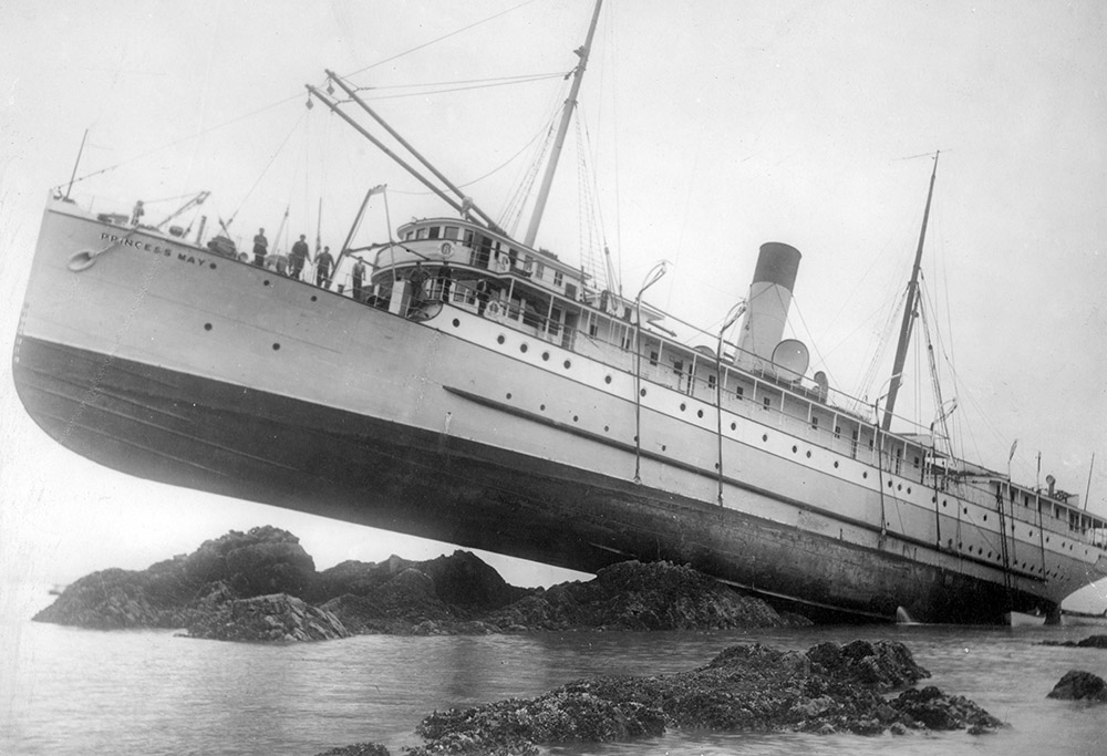 ss-princess-may-wrecked-on-august-5-1910.jpg