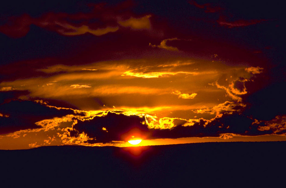 photo-sunset-at-carlsbad-caverns-national-park-in-new-mexico.jpg