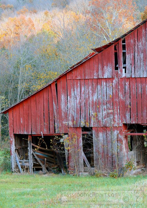 old-barn-fall-colors.jpg