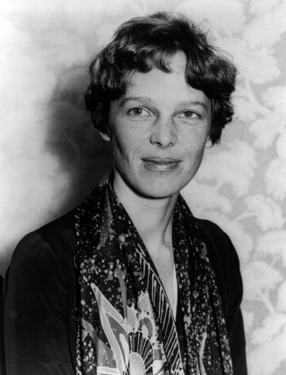 Earhart-Amelia-Photograph-portrait-photo-image.jpg