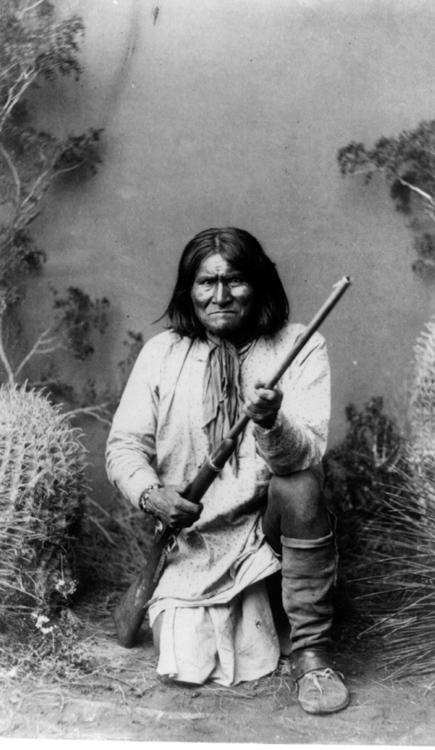 Geronimo-38-portrait-photo-image.jpg