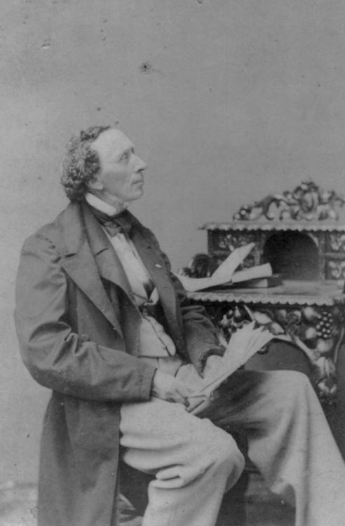 Hans-Christian-Andersen-portrait-photo-image.jpg