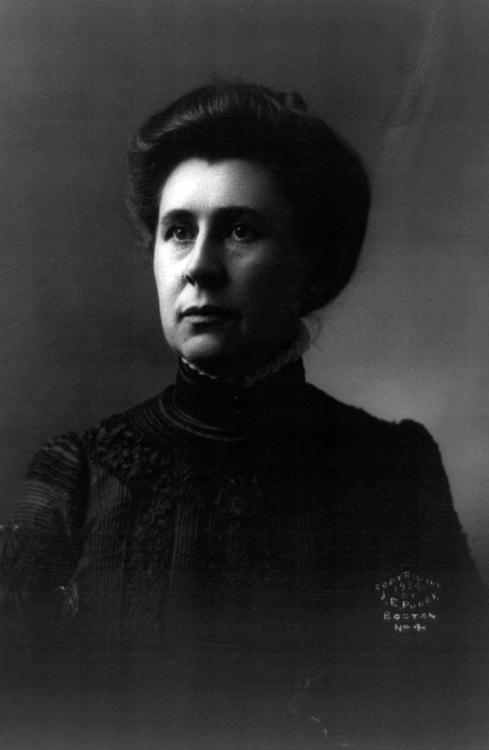 Ida-M-Tarbell-portrait-photo-image.jpg