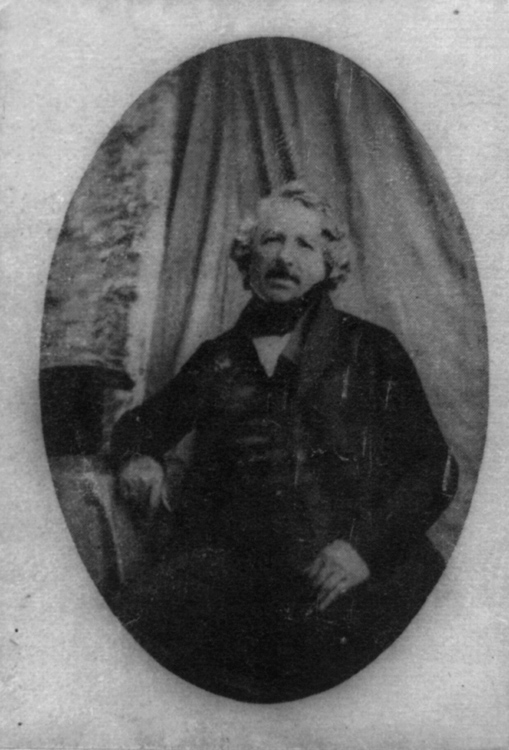Louis-Jacques--Daguerre-portrait-photo-image.jpg