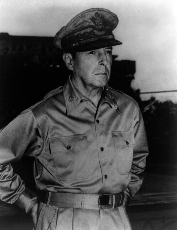 Macarthur-Douglas-portrait-photo-image.jpg