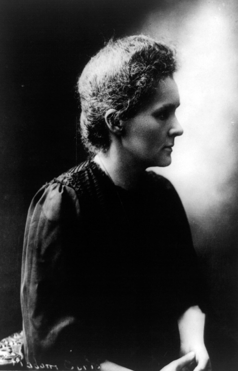 Marie-Curie-portrait-photo-image.jpg