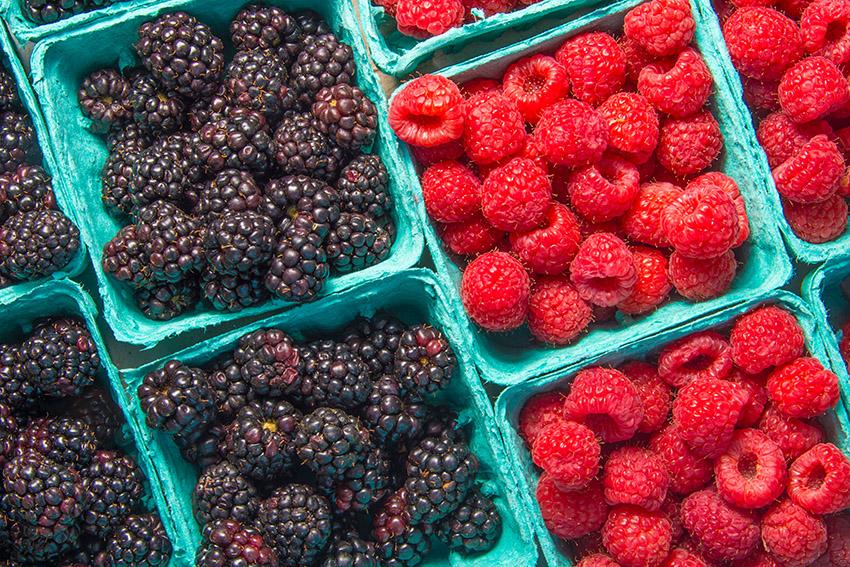 fresh-blackberries-and-raspberries-in-containers-2.jpg