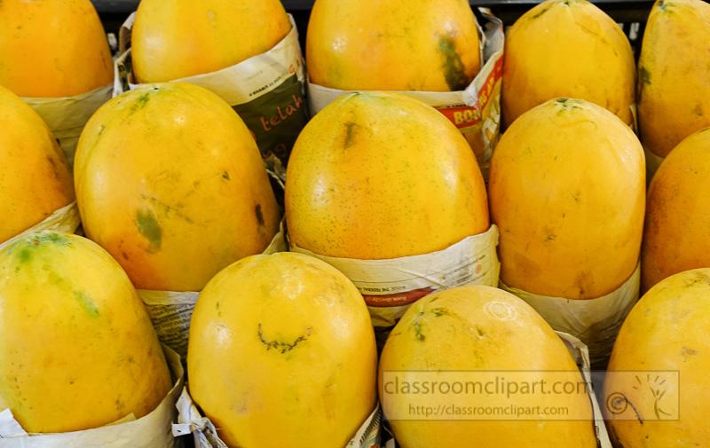 mangos-at-local-market-signapore3231Ac.jpg