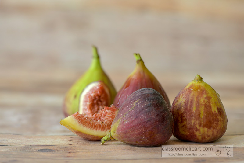 whole-cut-figs-side-view-photo--3.jpg