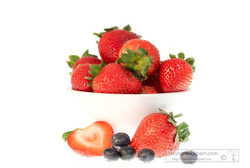 photo-image-bowl-of-blueberries-strawberries-on-white-background-00133.jpg