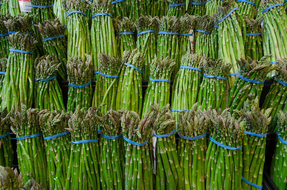 asparagus-at-a-grocery-store.jpg