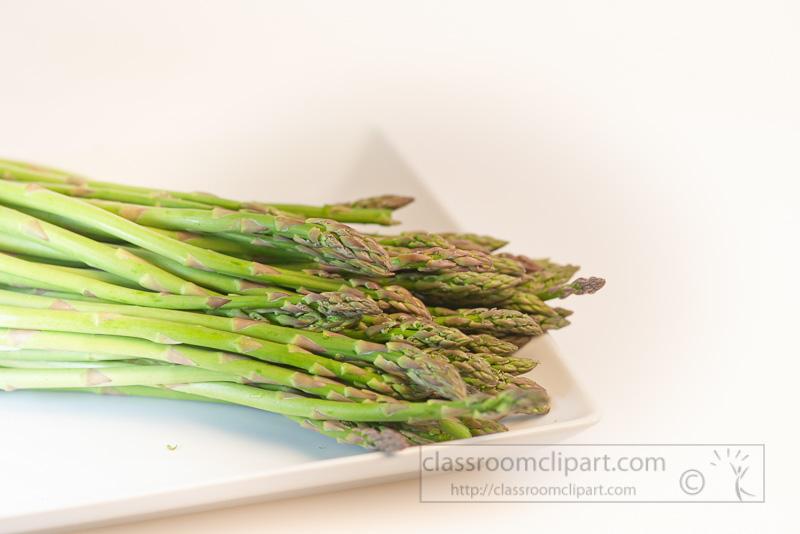 asparagus-on-white-plahte-photo_5482.jpg