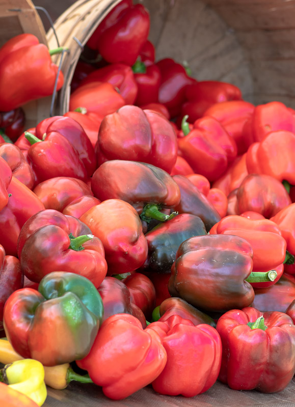 green-red-peppers-Fresh-Raw-Market-Vegetables-0188-2.jpg