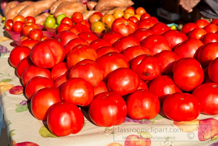 large-red-tomatoes-at-market-1025.jpg
