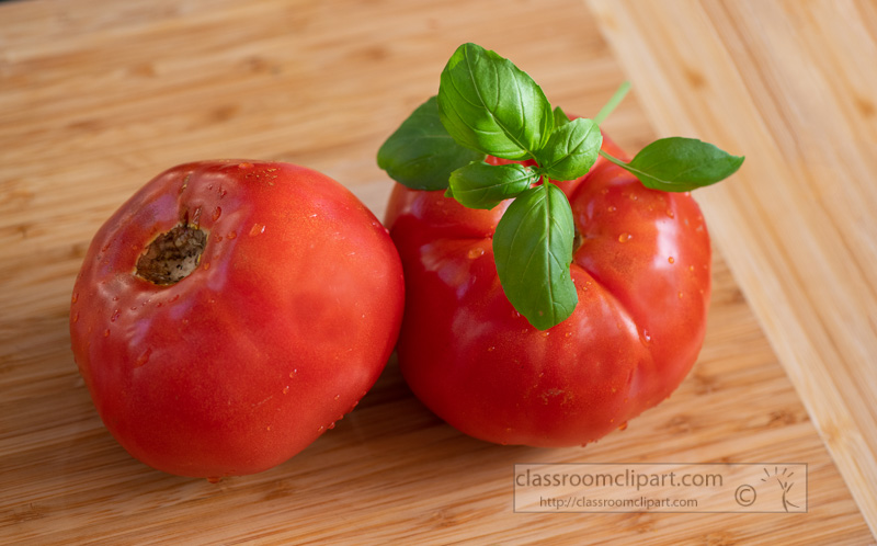 ripe-whole-tomatoes-with-fresh-basil-0304.jpg