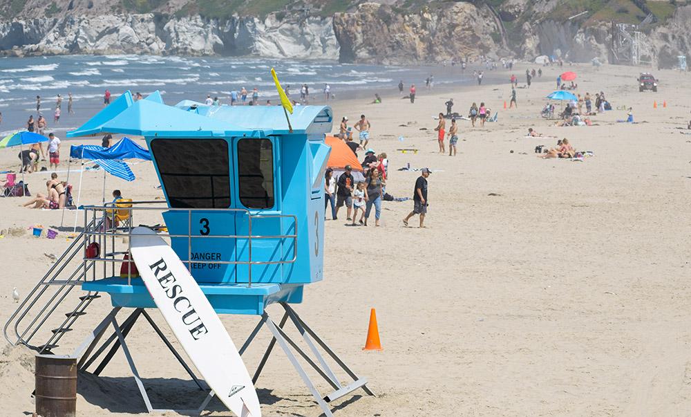 life-guard-station-on-pismo-beach-california.jpg