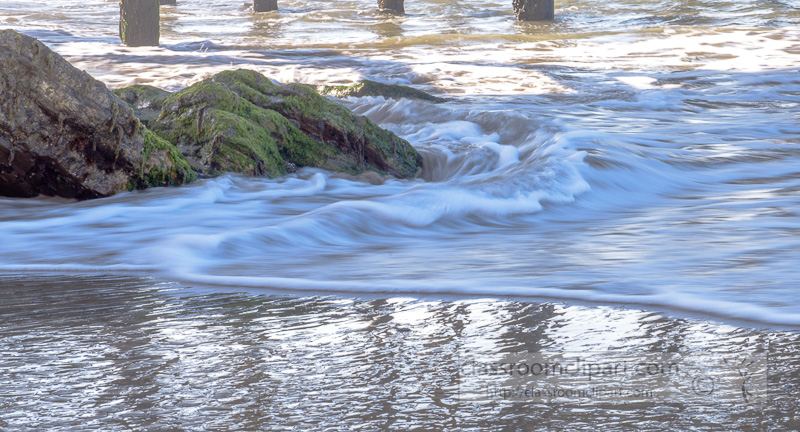 waves-breaking-on-rocks-beach-photo-6760.jpg