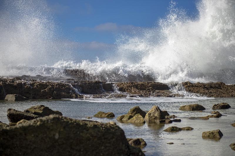 waves-crashing-on-rocks-royal-palms_beach-southern-california-4699.jpg