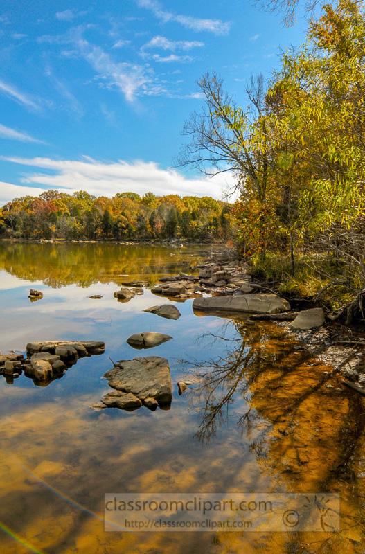 fall-lake-tree-reflection.jpg