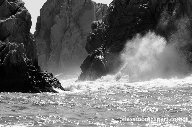 waves_breaking_bwA.jpg