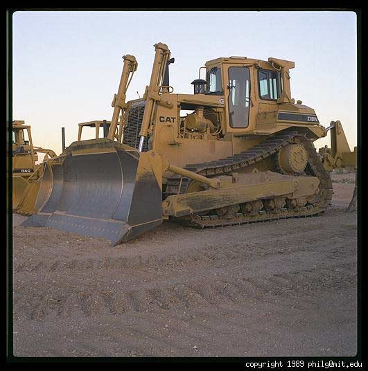 Picture War - Page 2 Caterpillar-bulldozer-10