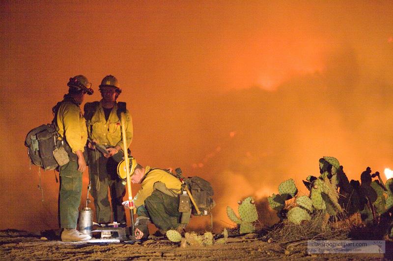 fire_crew_monitering_burn.jpg