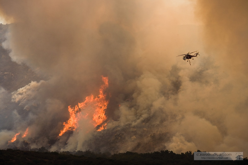helicopter_fighting_fire_2.jpg