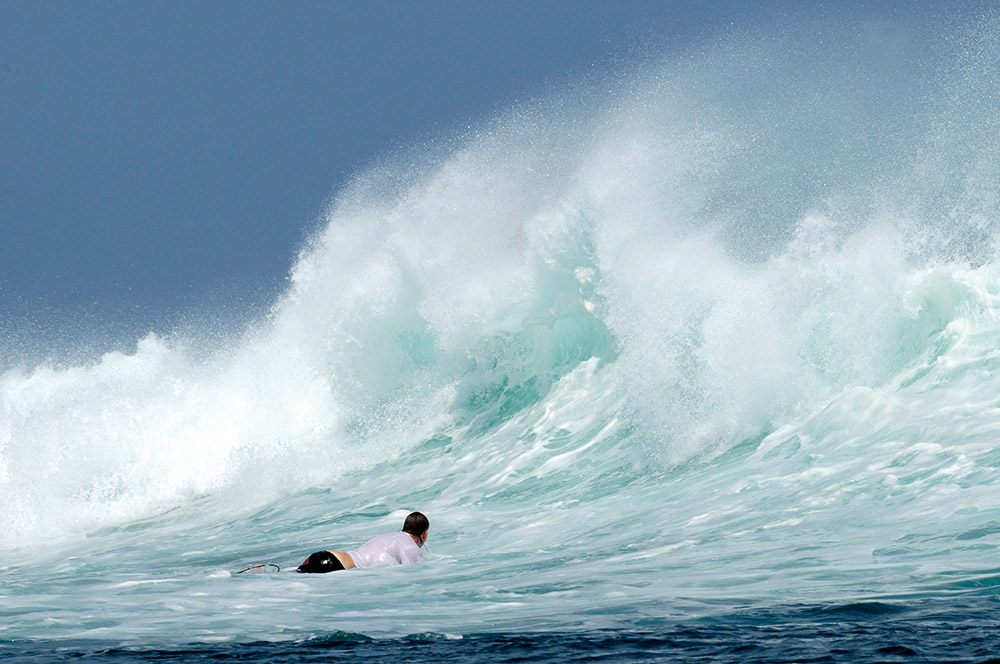 surfing-in-bali-indonedsia-5455a.jpg