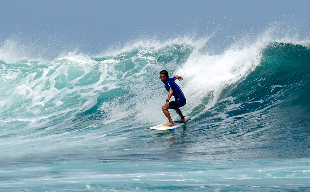 surfing-in-bali-indonedsia-5456c.jpg