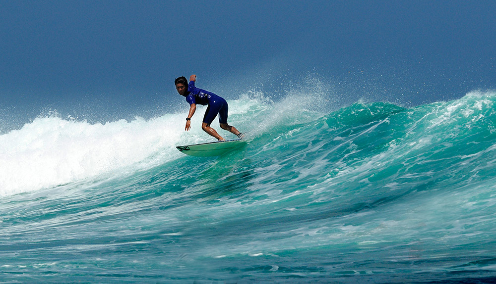 surfing-in-bali-indonedsia-5460a.jpg