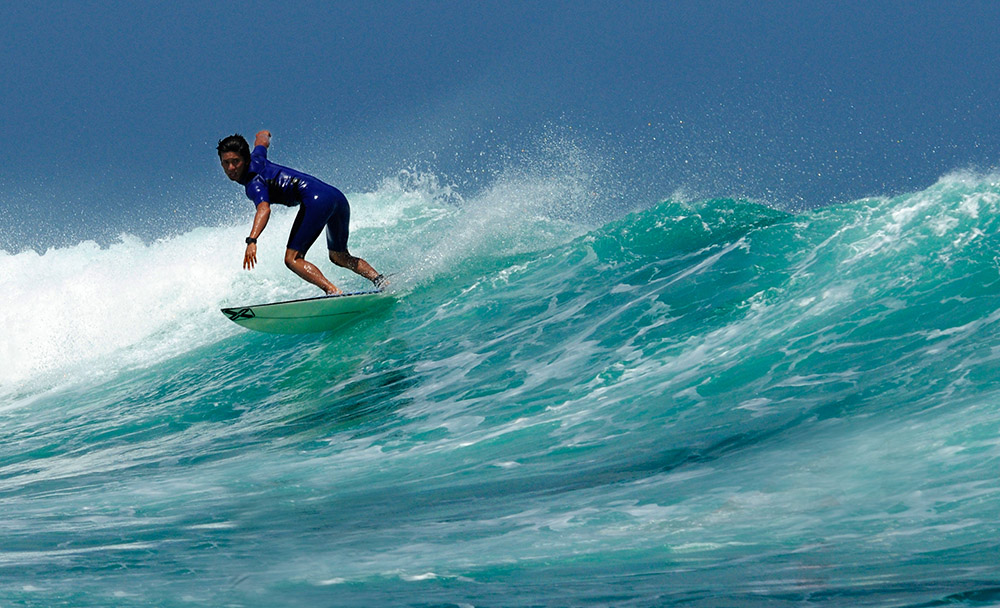 surfing-in-bali-indonedsia-5460b.jpg