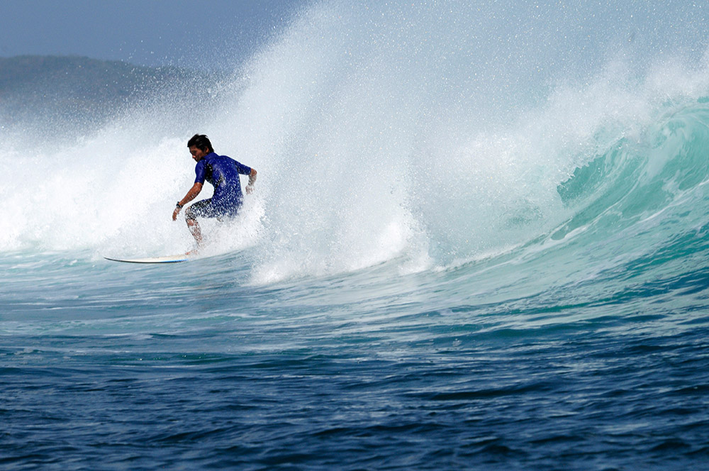 surfing-in-bali-indonedsia-5465a.jpg