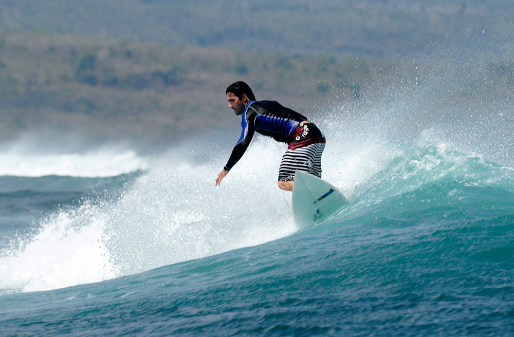 surfing-in-bali-indonedsia-5475a.jpg