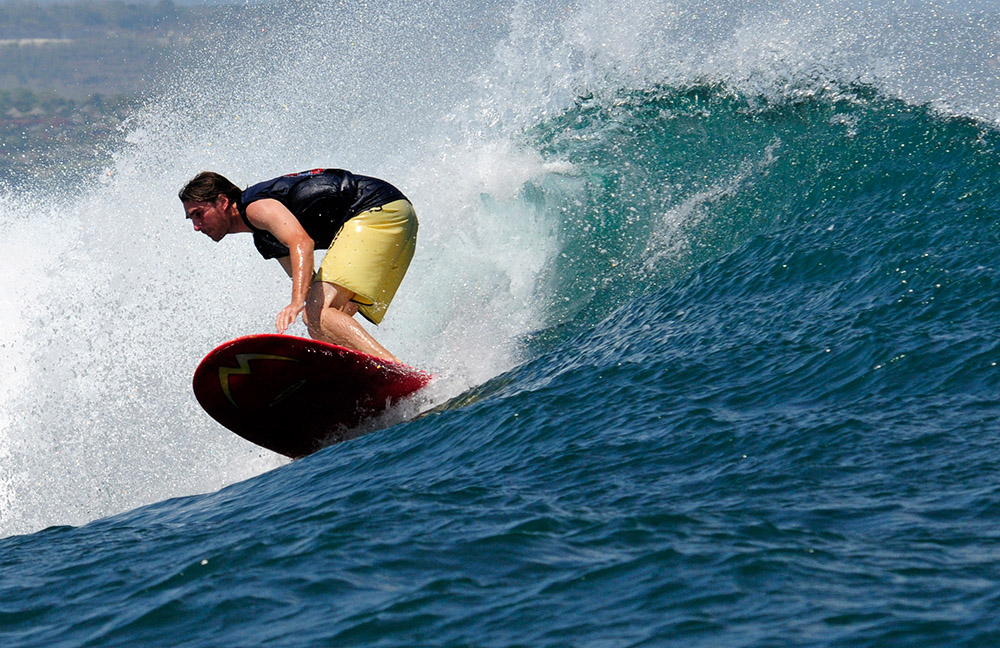 surfing-in-bali-indonedsia-5514b.jpg