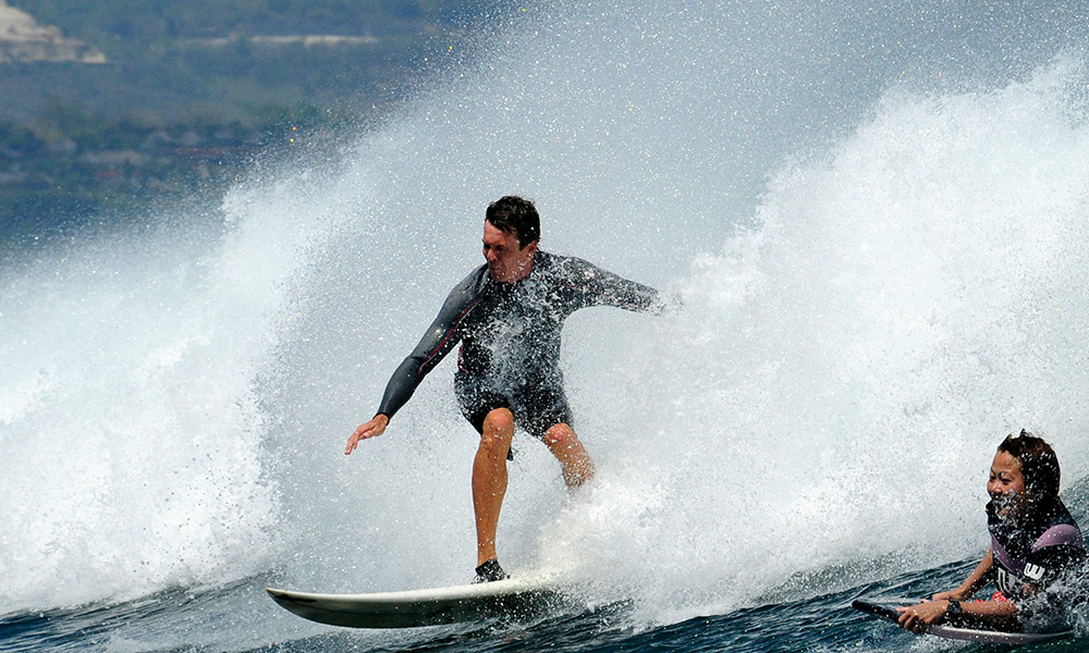 surfing-in-bali-indonedsia-5532b.jpg