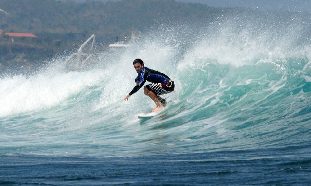 surfing-in-bali-indonedsia-5591ab.jpg